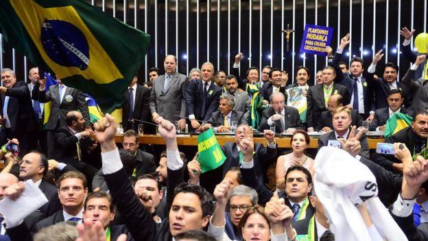 Eduardo Cunha comanda sessão em que Câmara deu aval ao início de um processo de impeachment contra Dilma, em 17 de abril de 2016