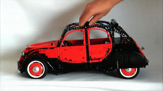 This Lego Citroën 2CV Is Nearly As Sophisticated As An Actual 2CV