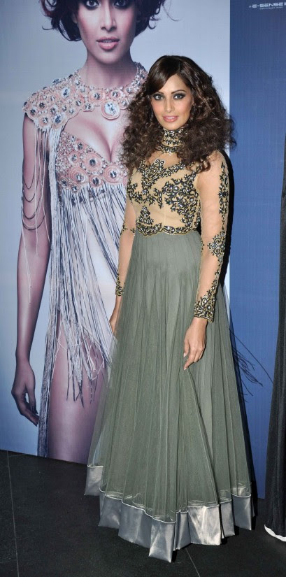 Bipasha-Basu-At-Announcement-of-IRFW-India-Fashion-Awards-Pictures-Photos-1