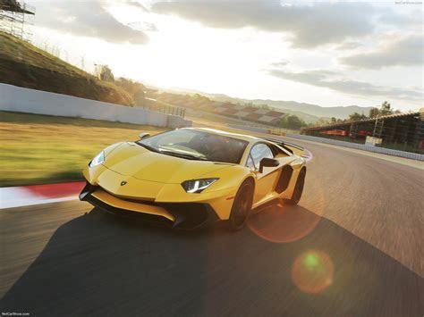 Lamborghini Aventador LP750 4 SV (2016)   pictures, information & specs