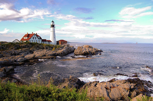 Portland Head Lighthouse, Maine by Bob Cuthbert