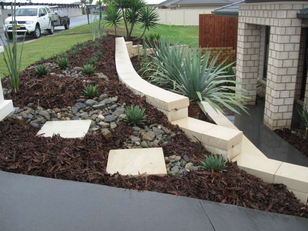 17+ Cozy Landscaping A Steep Slope Pictures - Landscape Ideas on Steep Sloping Garden Ideas  id=22556
