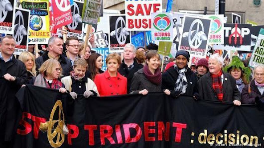 Thousands call for Britain's nuclear deterrent Trident to be scrapped | News | DW.COM | 27.02.2016 | s