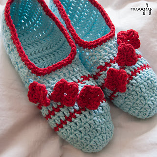 Posy-toes-crochet-slippers-off_small2