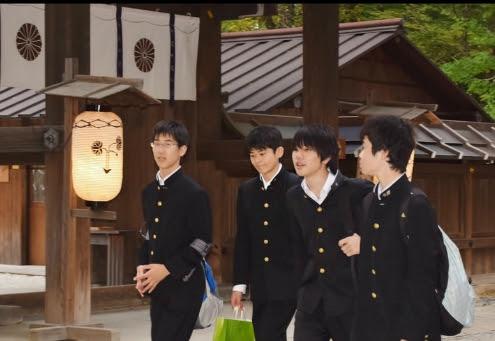 Risultati immagini per studenti giapponesi