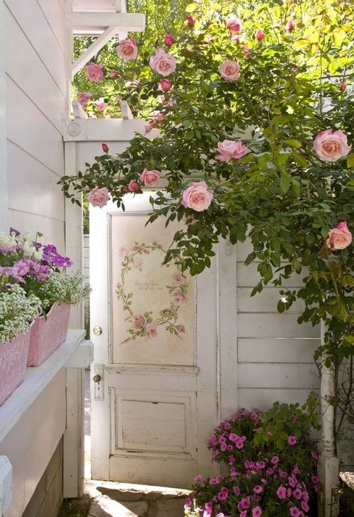 Source: linxy-zn - http://linxy-zn.tumblr.com/post/44150756159/pretty-pink-cindy-ellis-door-jpg-702x1024-on