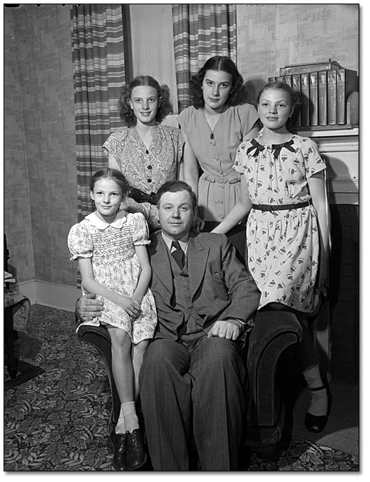 Farquhar Oliver And His Family At Durham Home May 1947
