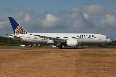 United Airlines Boeing 787-8 N20904 (msn 34824) PAE (Nick Dean). Image: 909320.