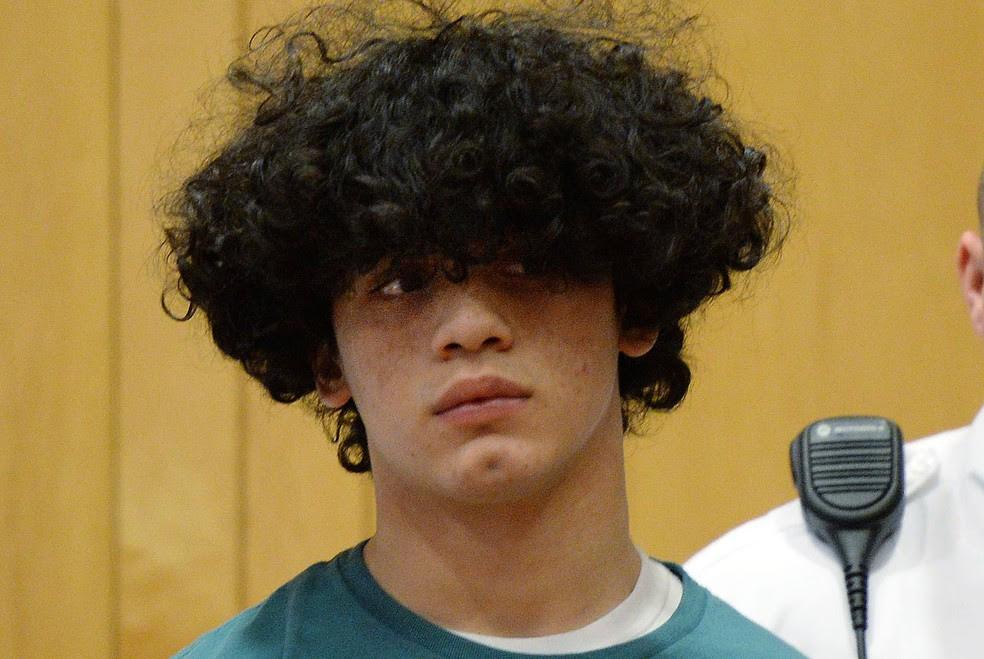 Mathew Borges, 15, foi indiciado como um adulto pelo assassinato de Lee Manuel Viloria-Paulino, de 16 (Foto: Paul Bilodeau/The Eagle-Tribune/AP)