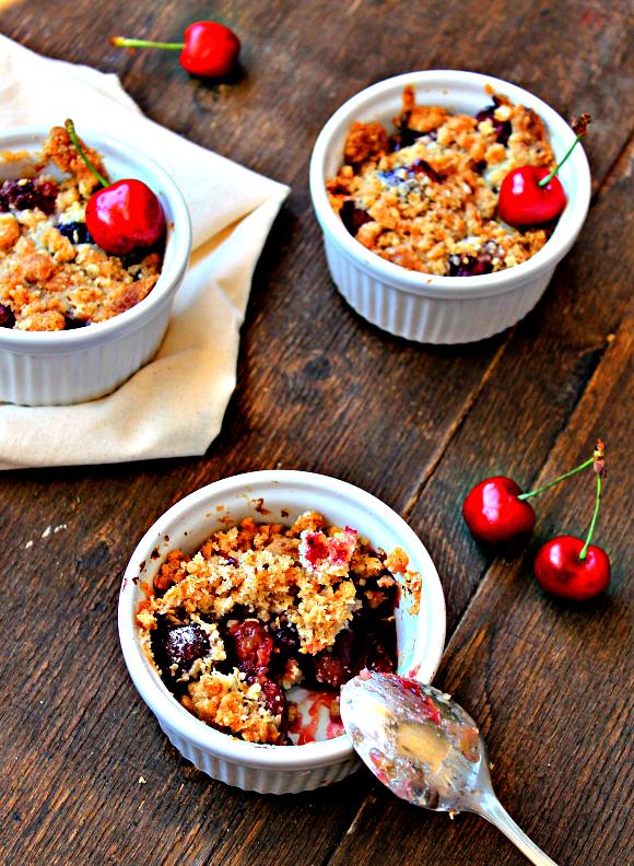 tengo un plan b: Cherry crisp - Postre crujiente de cerezas