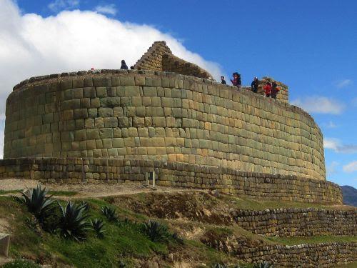 Lugares turísticos del Ecuador: El famoso Templo del Sol de Ingapirca.