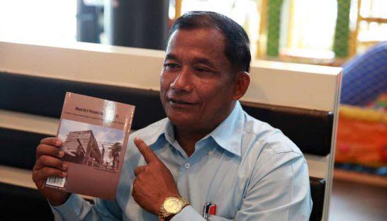 Former S-21 photographer Nhem En