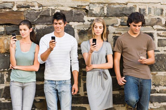 Mensagens por SMS são mais propícias a ter mentiras que conversas presenciais (Foto: Reprodução)