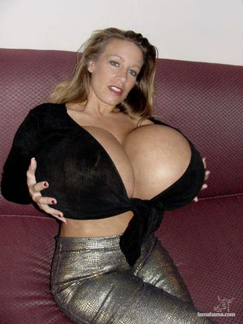 Extremely huge breasts - Pictures nr 12