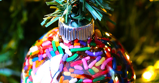 10 Candy Xmas Ornaments You Can Make with Kids - CandyStore.com