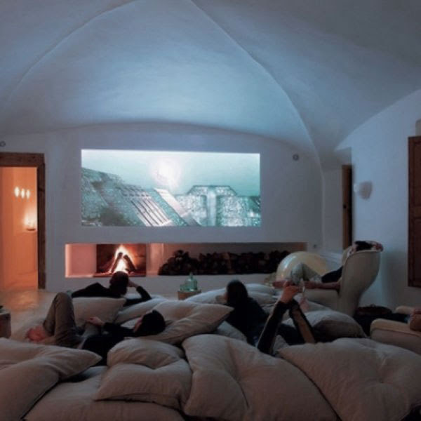 Stylish and Fascinating Movies Room Decor Cool Media Room Design ...