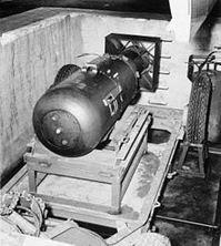 220px-Atombombe Little Boy 2