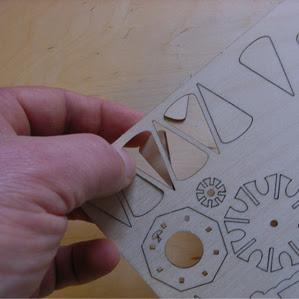 einfachen Auslösen der Teile aus DAMASU - Bastelsätzen