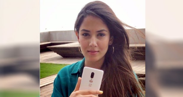 Mira Rajput Looks Gorgeous In Recent Pic, Janhvi Kapoor's Comment Is Not To Be Missed