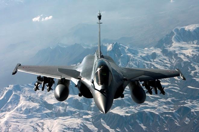 Hình ảnh Chiến đấu cơ Pháp tiếp tục đáp trả mạnh mẽ IS ở Syria số 1