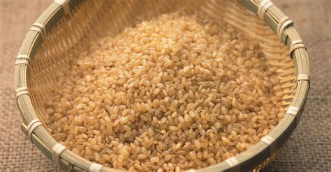 super simple reason brown rice  healthier  white