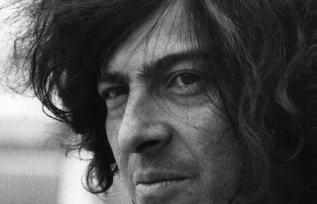 En las letras de Antonio Cisneros; periodista y crítico literario