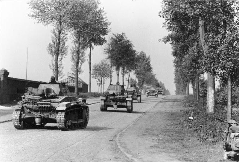 File:Bundesarchiv Bild 101I-127-0396-13A, Im Westen, deutsche Panzer.jpg