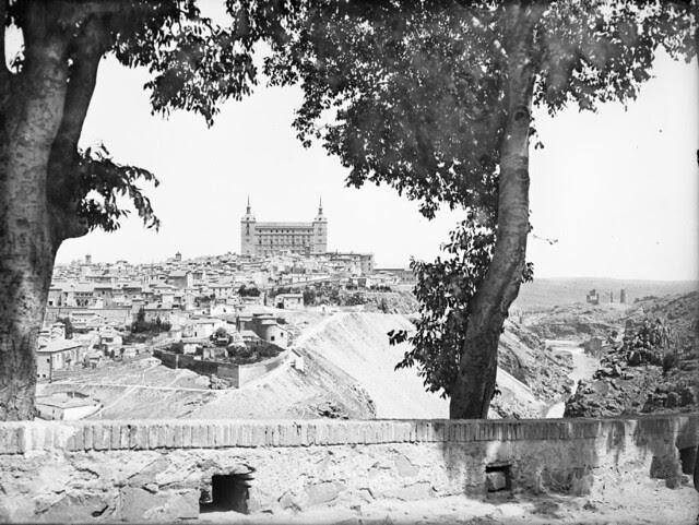Almeces de la Ermita del Valle en los años 20. Fotografía de Otto Wünderlich. © Fototeca del Patrimonio Histórico
