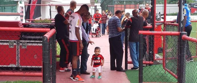 Luiz Antônio e filho Flamengo (Foto: Fred Gomes/ Globoesporte.com)