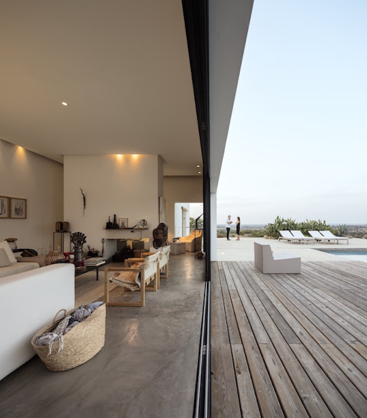 Inside a house in Portugal that combines Indoor and Outdoor living – Artistic Odyssey