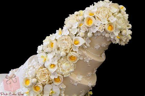 Dress Inspired Floral Cascade Wedding Cake » Wedding Cakes