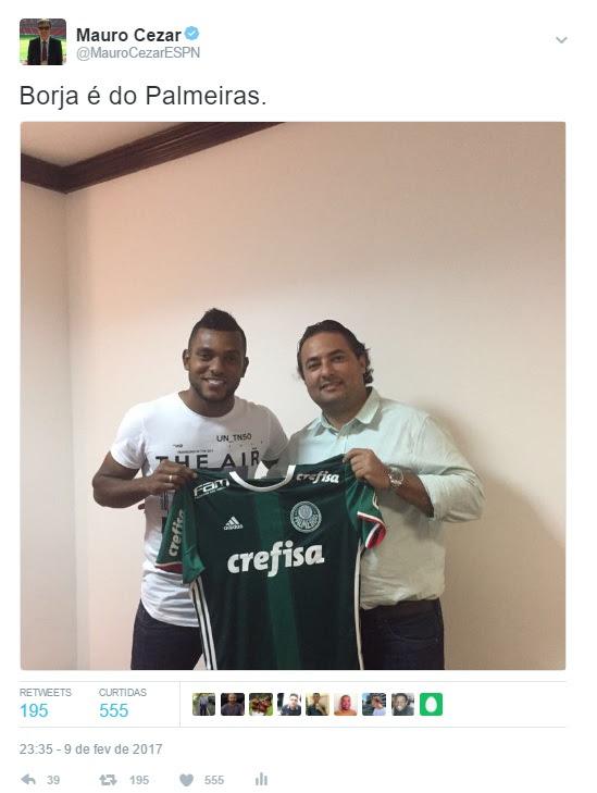 Tuíte das 23h35 de Brasília com a foto que confirmou a contratação