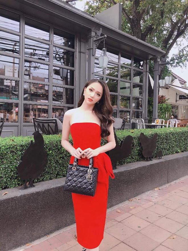 Ngay ngày đầy xuất hiện, Hương Giang Idol đã là 1 trong 3 nhan sắc cân cả dàn thí sinh dự thi Hoa hậu chuyển giới - Ảnh 2.