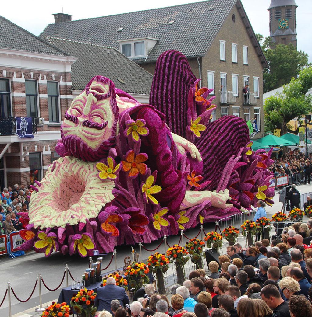 Desfile anual do Corso de Zundert homenageia van Gogh com carros alegóricos monumentais adornados com flores 01