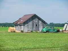 barn with old car