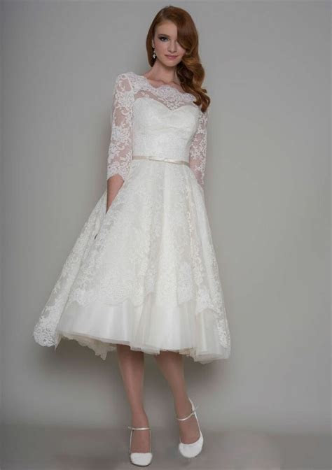 white/ivory 3/4 Sleeve Vintage Lace Tea length Bridal Gown