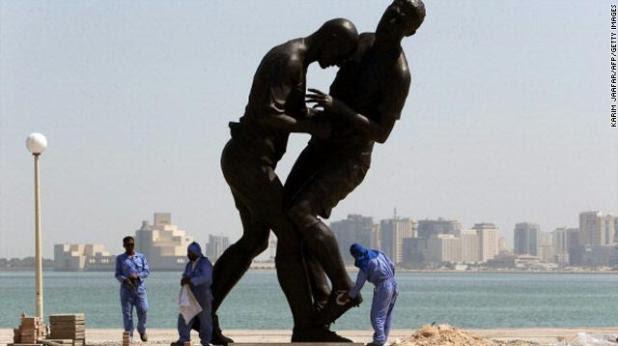 gal.Zidane.statue.qatar.jpg_-1_-1