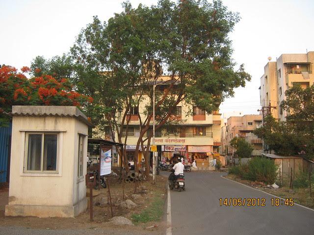 Approach Road of Suyog Aura Warje - Visit Suyog Aura Warje Pune 411052