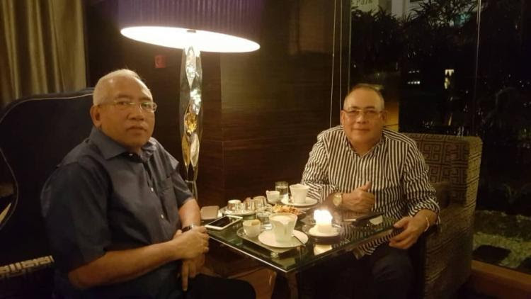 Jepak Holdings owner, PPB man Saidi Abg Samsudin (right) with the ex-Minister of Education