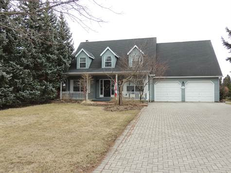 Home for Sale in Garrison Village, Niagara-on-the-Lake, Ontario $529,000
