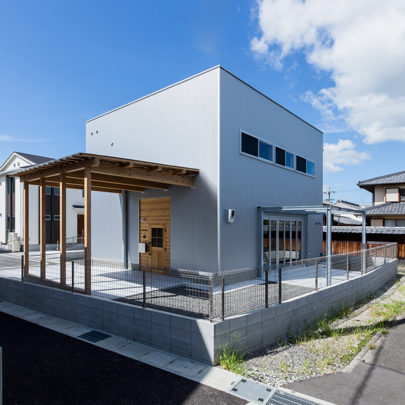 20 Amazing Industrial Exterior Design