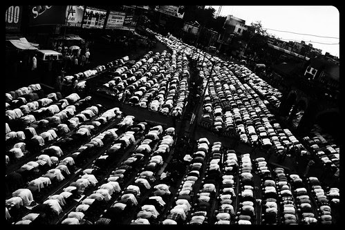 Eid Prayers - Eid Ul Fitr Bandra Station Road by firoze shakir photographerno1