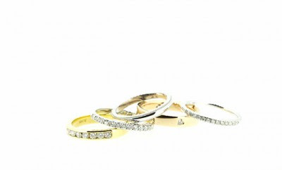 Customise Your Wedding Rings With Clayfield Jewellery - Queensland Brides