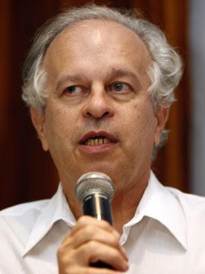 Renato Janine Ribeiro, professor de Ética e Filosofia Política da USP, durante debate em março de 2010  (Foto: J. F. Diorio/Estadão Conteúdo)