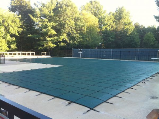 10 Steps to Winterizing Your Swimming Pool