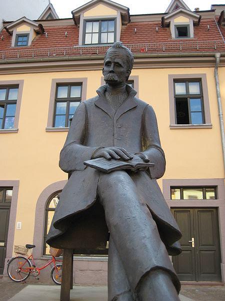 Archivo: IMG 2473 Nietzsche.JPG