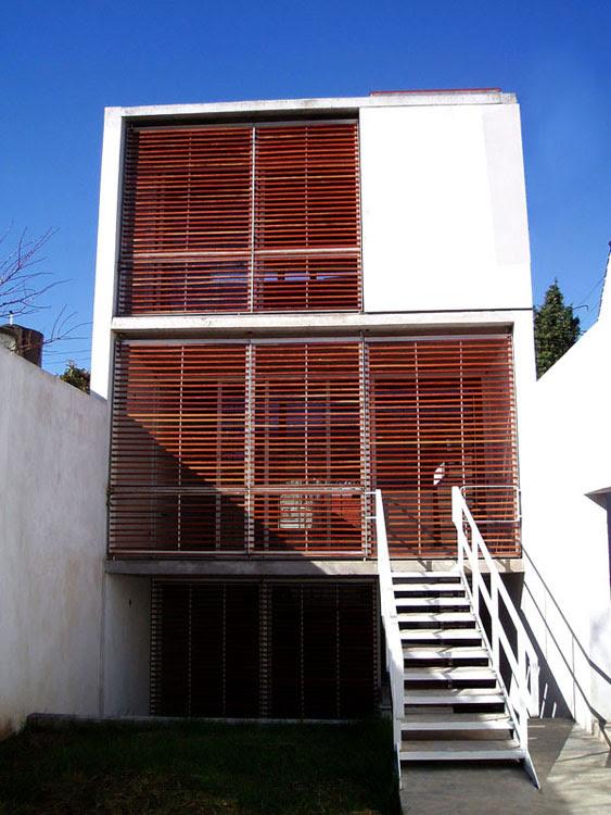Casa 5 x 30 estudio borrachia arquitectos tecno haus for Parasoles arquitectura