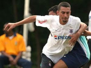 Piá jogou pelo Corinthians em 2004 (Foto: Futura Press)