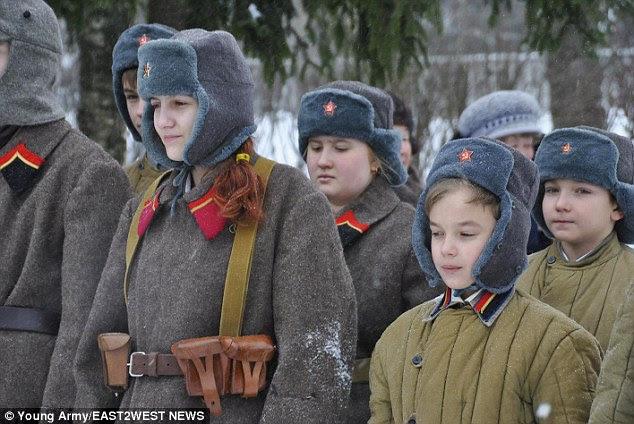 Αποτέλεσμα εικόνας για MILITARY TRAINING FOR KIDS IN RUSSIA