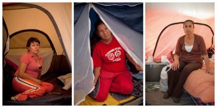 Madres de desaparecidas en Juárez en un plantón en la Segob. Fotos: Miguel Dimayuga